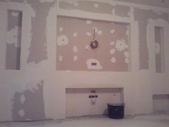 ścianka tv w salonie
